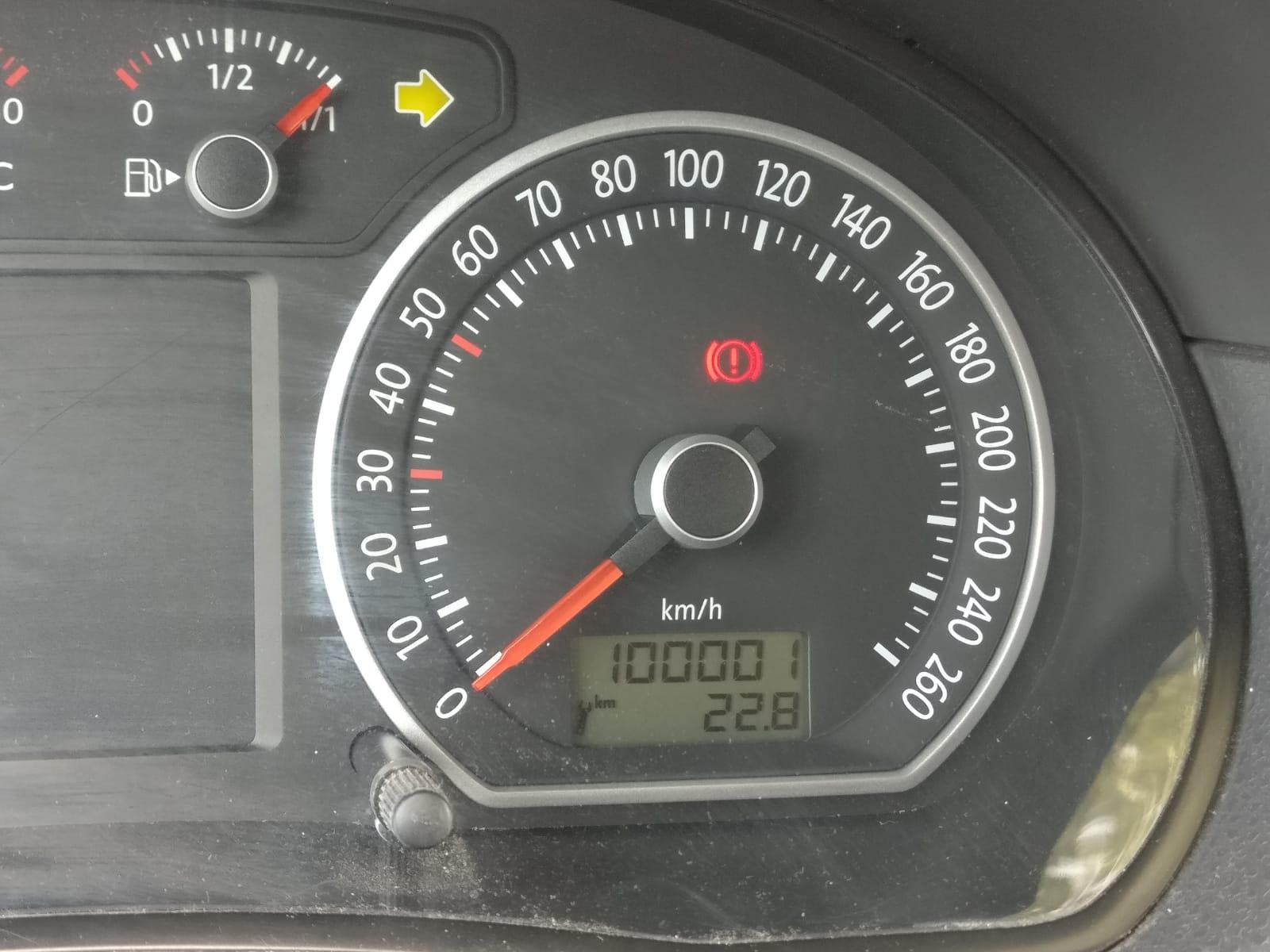דשבורד ברכב של דאטה אנליסט